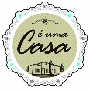 É UMA CASA_Logo Final